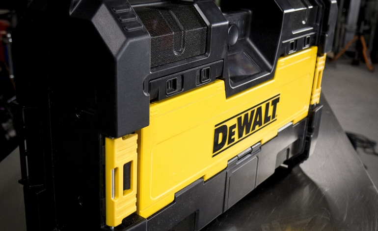 DeWALT ToughSystem Radio And Charger DWST08810 Video Review