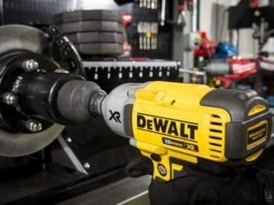 DeWALT DCF899 Power Test
